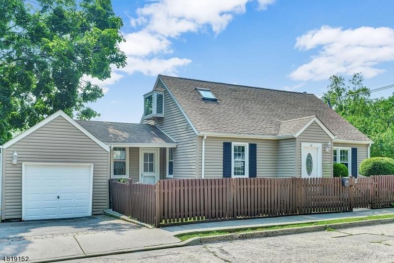 Μονοκατοικία για την Πώληση στο 15 HIGHVIEW Avenue Bergenfield, Νιου Τζερσεϋ 07621 Ηνωμενεσ Πολιτειεσ