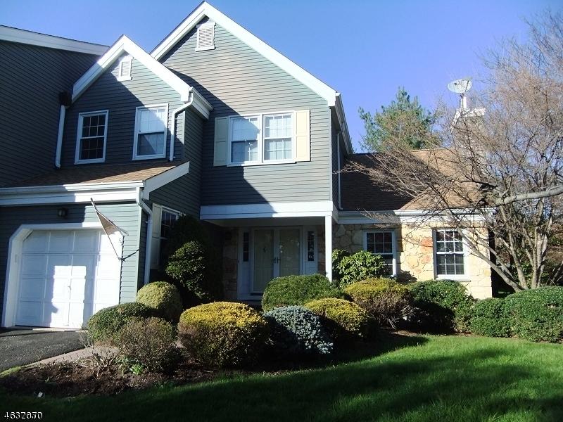 Condo / Townhouse için Kiralama at 53 CONSTITUTION WAY Morris Township, New Jersey 07960 Amerika Birleşik Devletleri