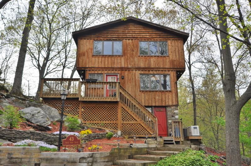 独户住宅 为 出租 在 43 TWIN OAKS Trail 西米尔福德, 新泽西州 07421 美国