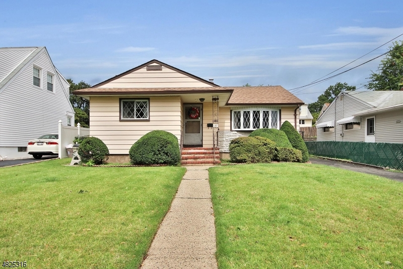 Tek Ailelik Ev için Satış at 157 clinton Maywood, New Jersey 07607 Amerika Birleşik Devletleri