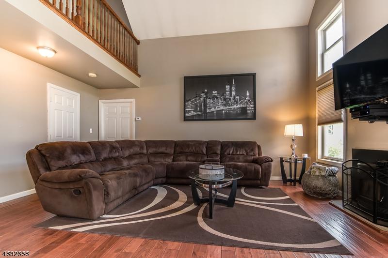 Additional photo for property listing at 215 RULAND Avenue  Hackettstown, Νιου Τζερσεϋ 07840 Ηνωμένες Πολιτείες