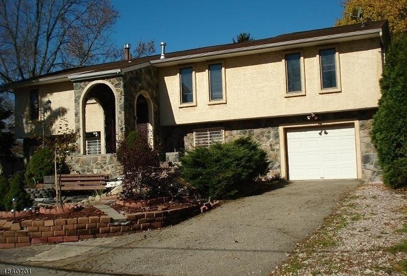 Maison unifamiliale pour l Vente à 107 ROUTE 57 Hackettstown, New Jersey 07840 États-Unis