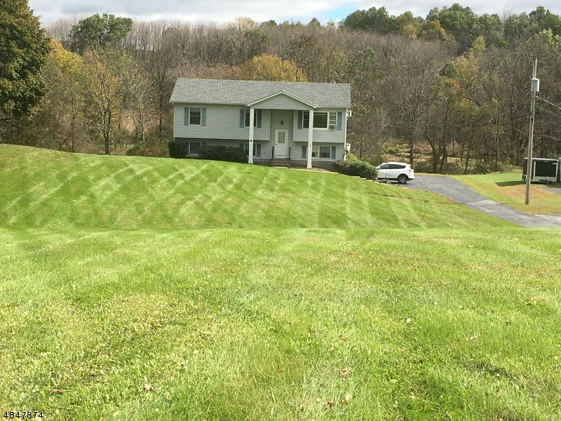多戶家庭房屋 為 出售 在 208 State Route 284 Wantage Twp, 新澤西州 07461 美國