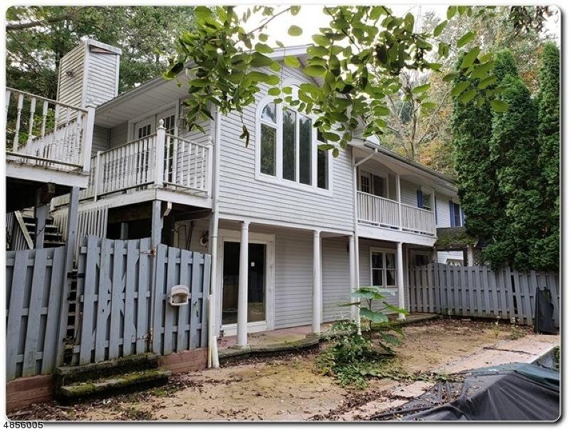 Property pour l Vente à 85 MILL POND Road Washington, New Jersey 07882 États-Unis