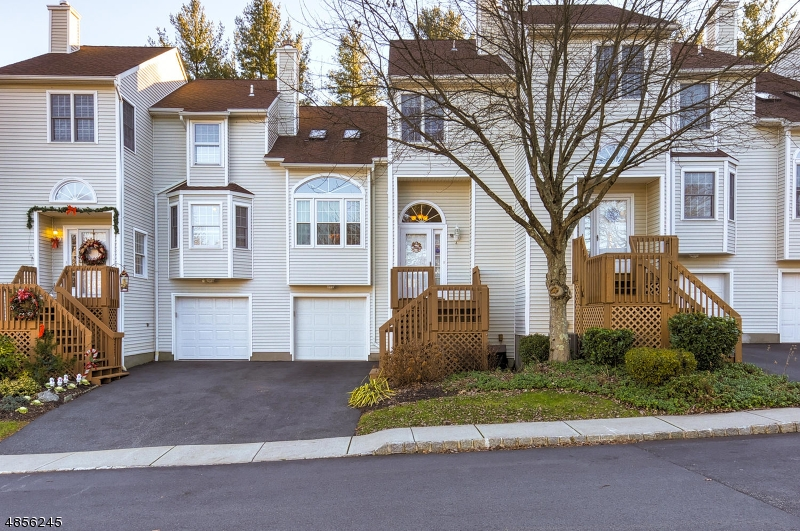 Condo / Townhouse for Sale at 4 KEVIN Road Lincoln Park, New Jersey 07035 United States