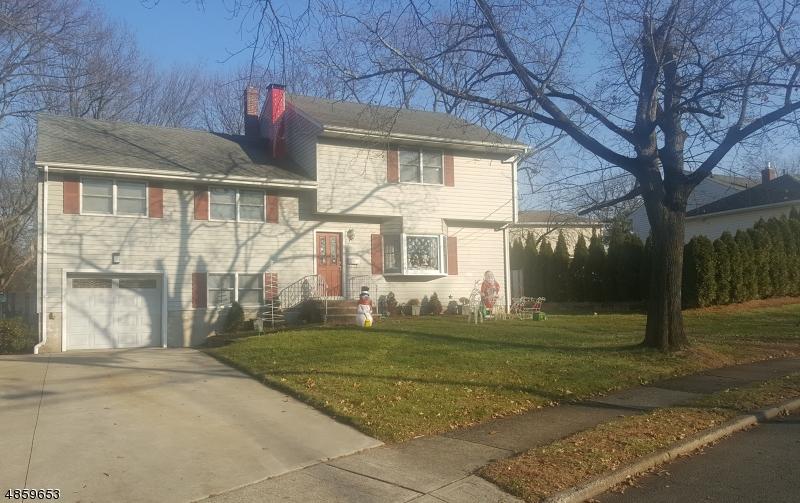 Maison unifamiliale pour l Vente à 3 DOROTHY ST 1X Fair Lawn, New Jersey 07410 États-Unis