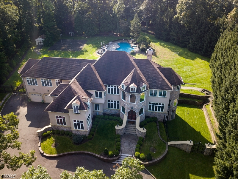 Single Family Home for Sale at 5 FOX CHASE DRIVE 5 FOX CHASE DRIVE Watchung, New Jersey 07069 United States