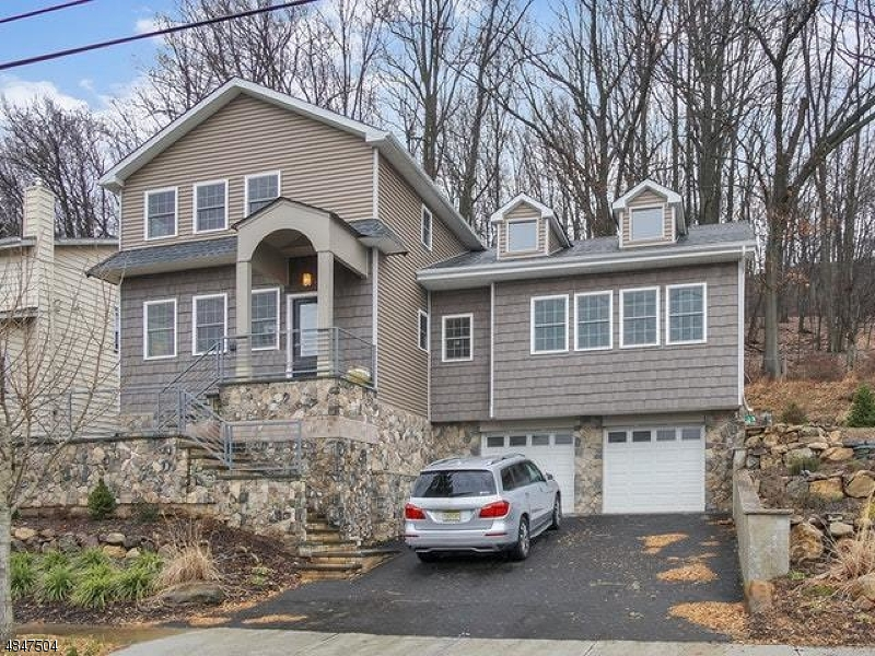 Single Family Home for Sale at 15 THOMAS ST 15 THOMAS ST Clifton, New Jersey 07013 United States