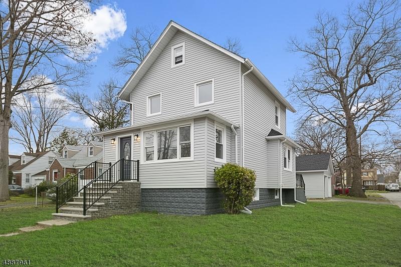 Частный односемейный дом для того Продажа на 273 E JOHNSON Avenue Bergenfield, Нью-Джерси 07621 Соединенные Штаты