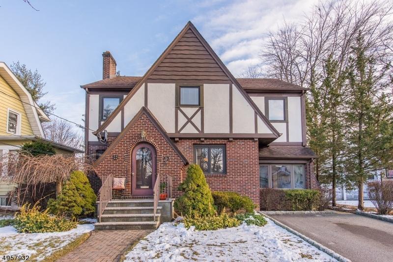 Single Family Homes per Vendita alle ore Passaic, New Jersey 07055 Stati Uniti
