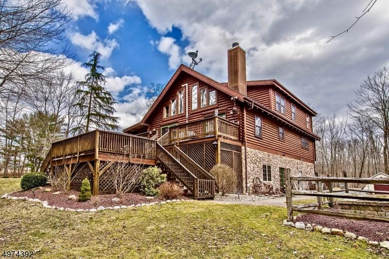 Single Family Homes por un Venta en Hampton, Nueva Jersey 07860 Estados Unidos