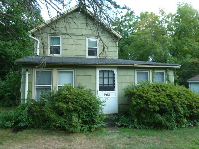 Single Family Home for Sale at 216 Union Avenue Bloomingdale, New Jersey 07403 United States