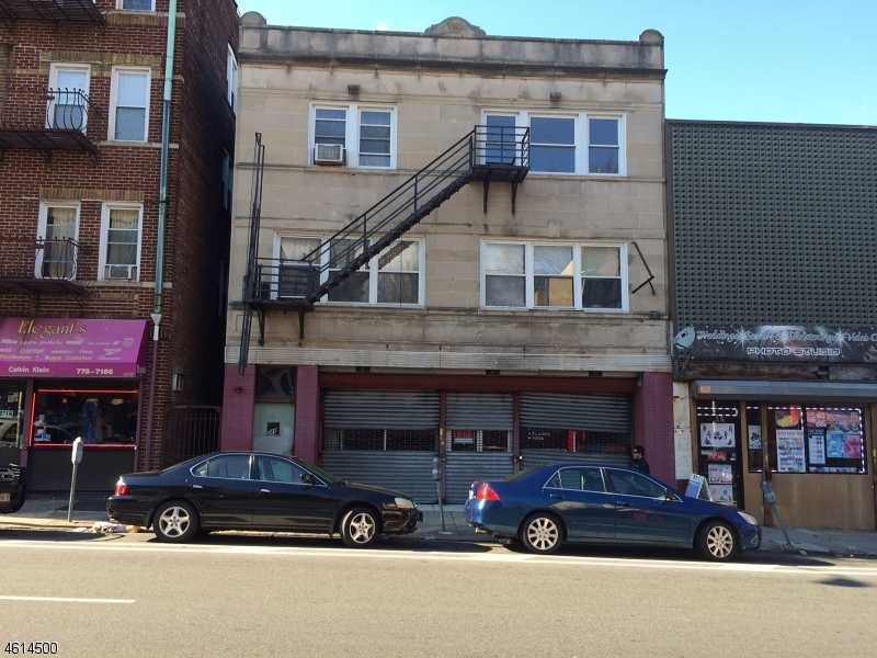 Additional photo for property listing at 46 Broadway  Passaic, New Jersey 07055 États-Unis