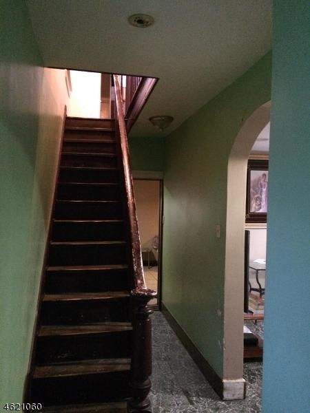 Additional photo for property listing at 132 Smith Street  Elizabeth, 新泽西州 07201 美国