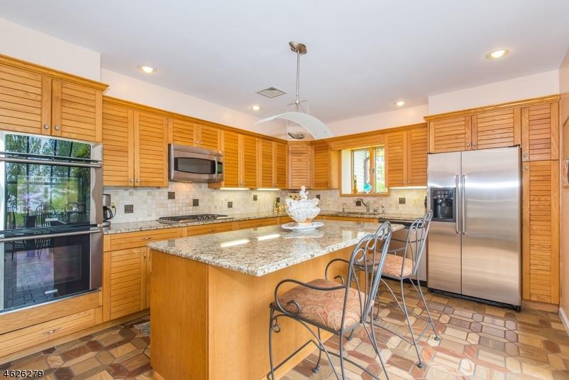 Additional photo for property listing at 3 Capstan Road  West Milford, Нью-Джерси 07480 Соединенные Штаты