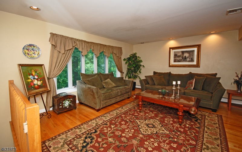 Additional photo for property listing at 688 Ramapo Valley Road  Oakland, New Jersey 07436 United States