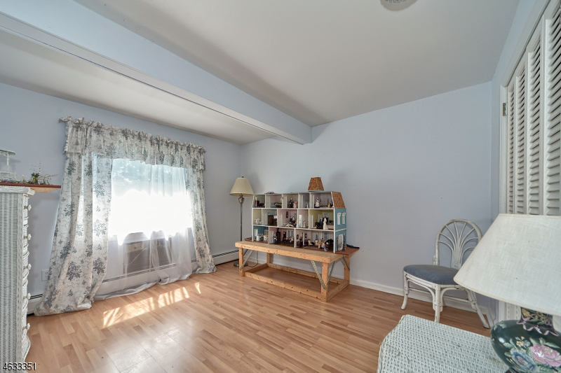 Additional photo for property listing at 1 Frederick Place  切斯特, 新泽西州 07930 美国