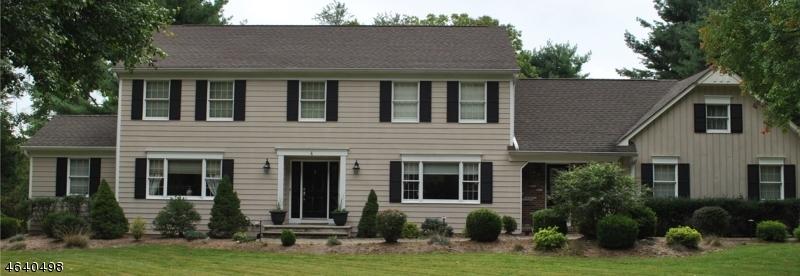 独户住宅 为 销售 在 4 Chester Woods Drive 切斯特, 新泽西州 07930 美国