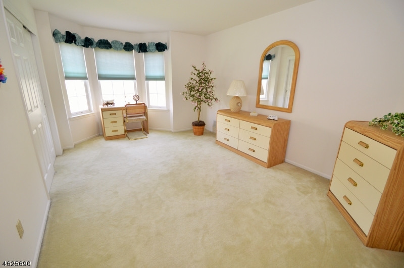 Additional photo for property listing at 3 Cambridge Drive  Rockaway, New Jersey 07866 États-Unis