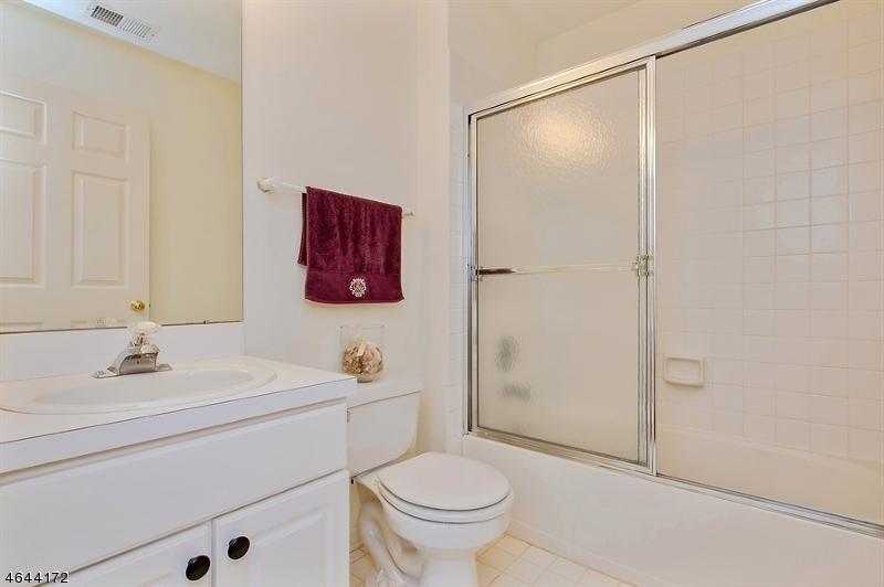 Additional photo for property listing at 24 Oak Knoll Lane  贝德明斯特, 新泽西州 07921 美国