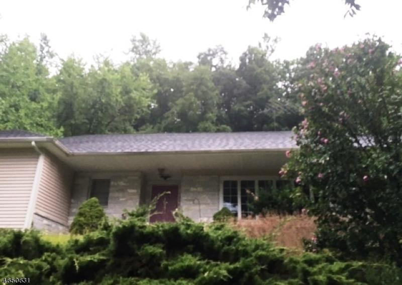 独户住宅 为 销售 在 49 Martha Place 奥克兰, 新泽西州 07436 美国