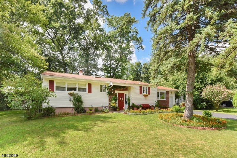 Additional photo for property listing at 285 Spring Valley Road  Park Ridge, Nueva Jersey 07656 Estados Unidos