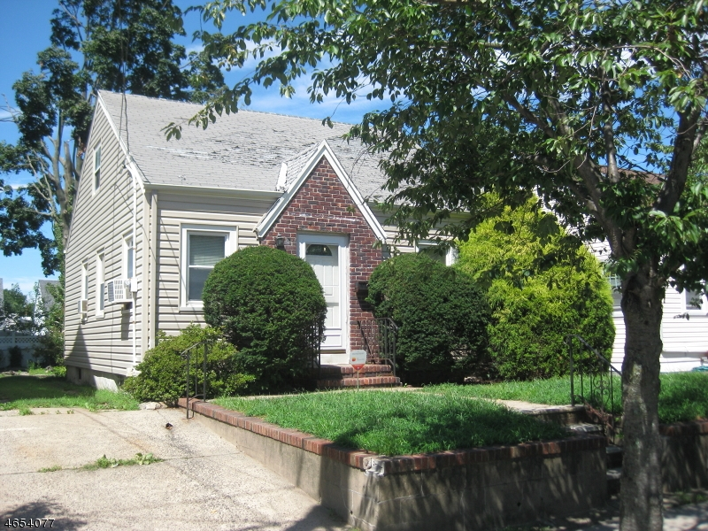 Additional photo for property listing at 15-17 PARKVIEW Avenue  Belleville, Nueva Jersey 07109 Estados Unidos