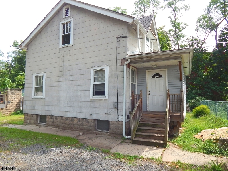 Additional photo for property listing at 16 Washington Avenue  Plainfield, Nueva Jersey 07060 Estados Unidos