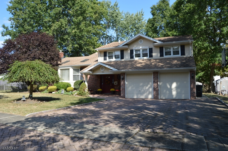 独户住宅 为 销售 在 23 Lenape Road 斯普林菲尔德, 07081 美国