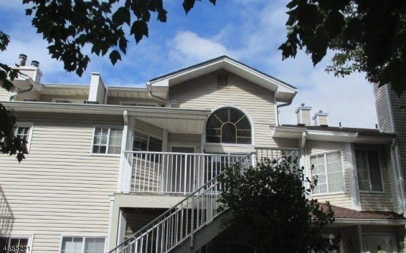 Maison unifamiliale pour l Vente à 5 Academy Court Bedminster, New Jersey 07921 États-Unis