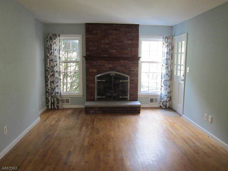Additional photo for property listing at 32 Pembroke Drive  Mendham, Нью-Джерси 07945 Соединенные Штаты