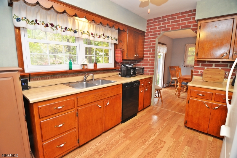 Additional photo for property listing at 17 Skytop Road  Newton, New Jersey 07860 United States