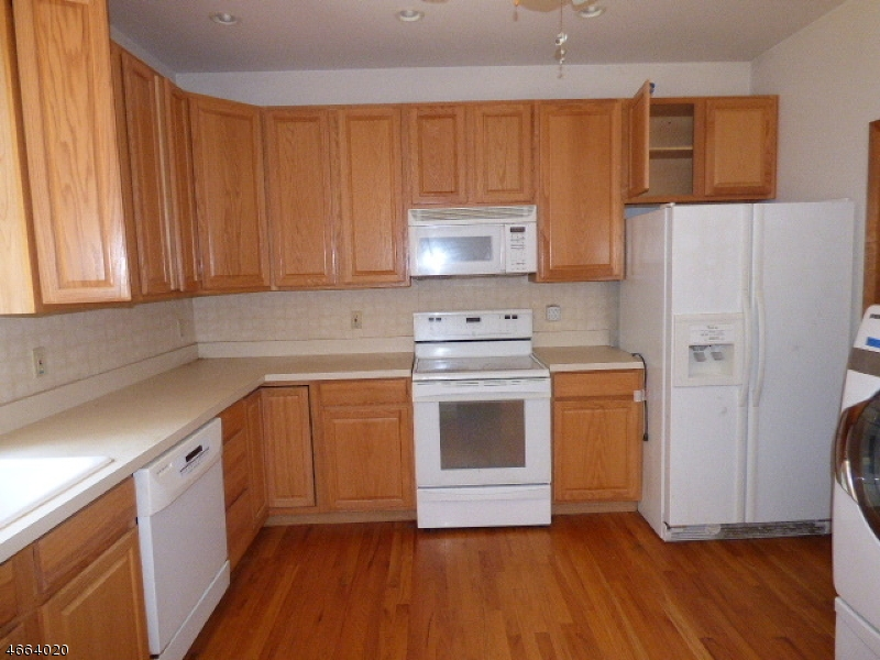 Additional photo for property listing at 1 Oak Hill Drive  Stanhope, New Jersey 07874 États-Unis