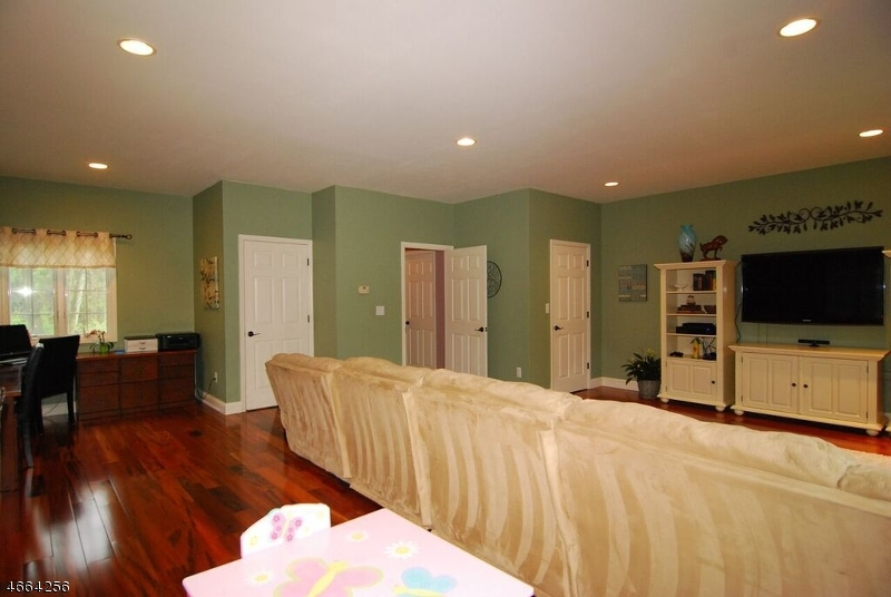 Additional photo for property listing at 12 Fox Hollow Way  Andover, New Jersey 07821 United States