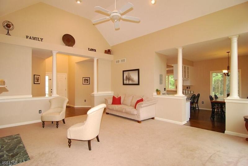 Additional photo for property listing at 12 Fox Hollow Way  Andover, Nueva Jersey 07821 Estados Unidos