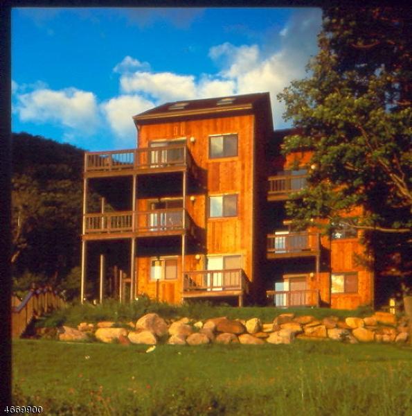 Частный односемейный дом для того Аренда на 2 GUNSTOCK CT UNIT 6 Vernon, 07462 Соединенные Штаты