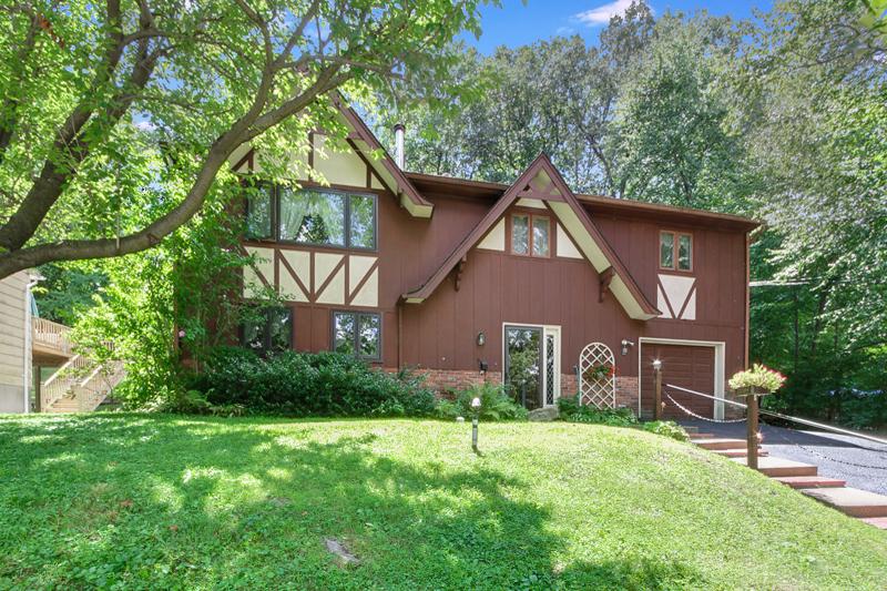 Частный односемейный дом для того Аренда на 628 Succasunna Road Landing, 07850 Соединенные Штаты