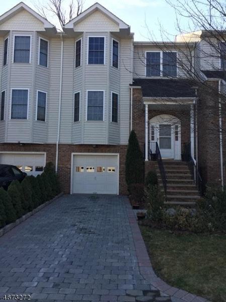 Maison unifamiliale pour l à louer à 10 Silverleaf Court Riverdale, New Jersey 07457 États-Unis
