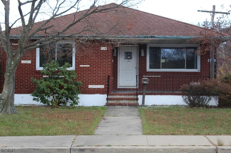 Частный односемейный дом для того Аренда на 136 Bartholdi Avenue Butler, 07405 Соединенные Штаты