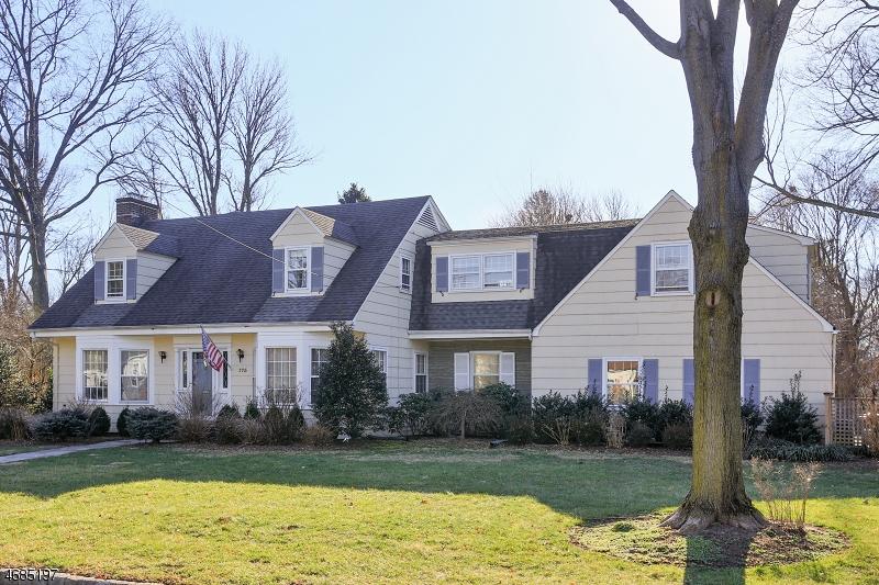 Частный односемейный дом для того Продажа на 175 MEADOWBROOK Drive North Plainfield, 07062 Соединенные Штаты