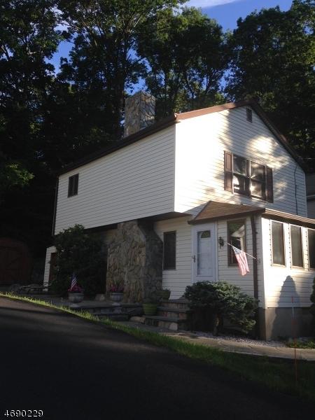 Casa Unifamiliar por un Alquiler en 12 Lagoon Trail Butler, Nueva Jersey 07405 Estados Unidos