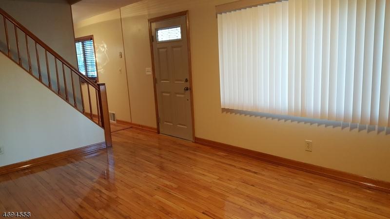 独户住宅 为 出租 在 39 Melody Hill Road 克利夫顿, 新泽西州 07013 美国