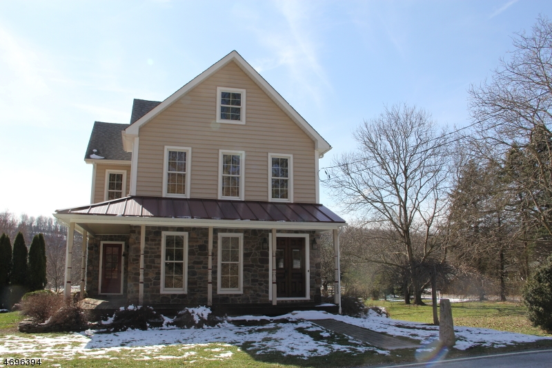 Single Family Home for Sale at 523 Riegelsville Road Milford, New Jersey 08848 United States