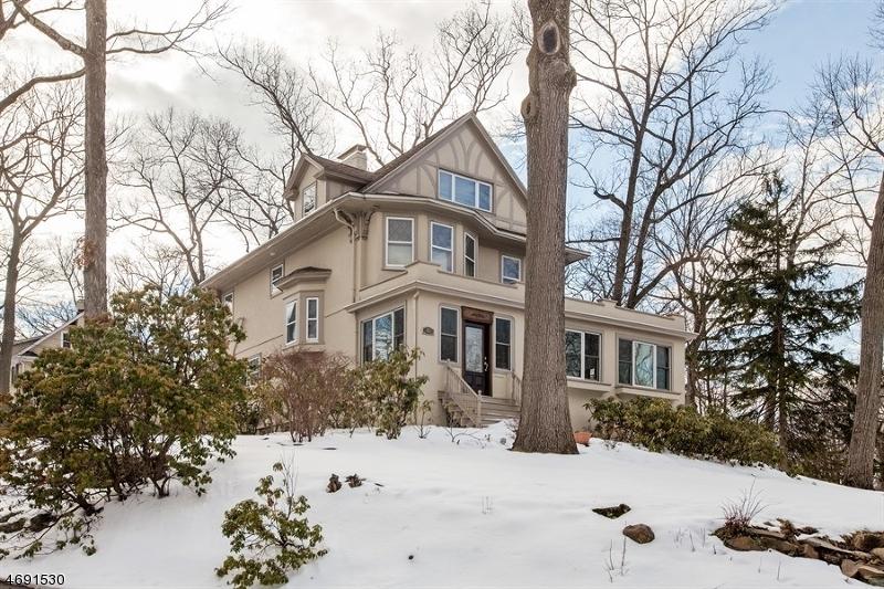 Casa Unifamiliar por un Venta en 27 Fells Road Verona, Nueva Jersey 07044 Estados Unidos