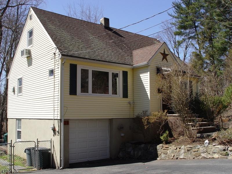 Maison unifamiliale pour l à louer à 19 Fichter Street Bloomingdale, New Jersey 07403 États-Unis