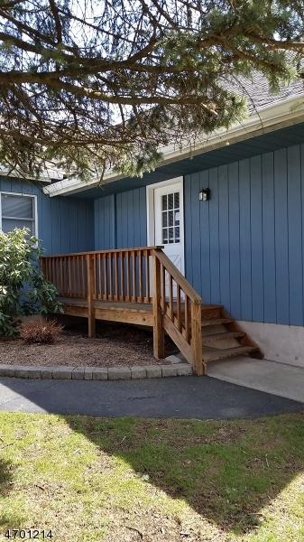 Maison unifamiliale pour l à louer à 727 Warwick Tpke West Milford, New Jersey 07421 États-Unis