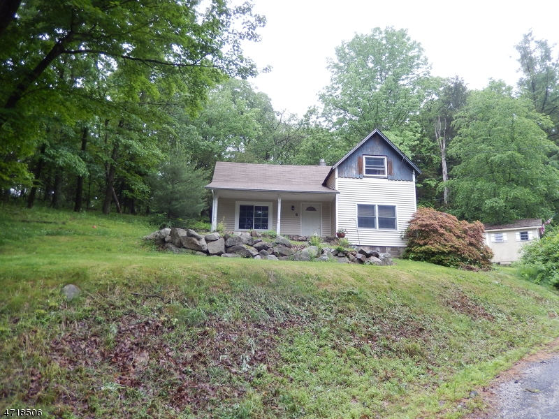 Casa Unifamiliar por un Alquiler en 6 Pleasant View Drive West Milford, Nueva Jersey 07480 Estados Unidos
