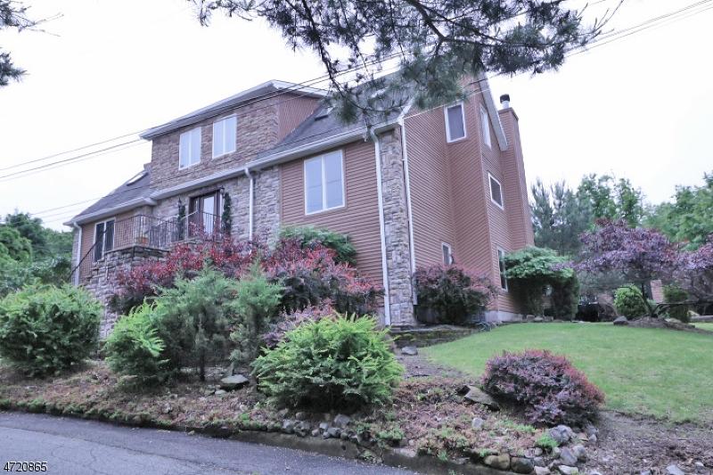 Частный односемейный дом для того Продажа на 33 Wilson Avenue Woodland Park, 07424 Соединенные Штаты