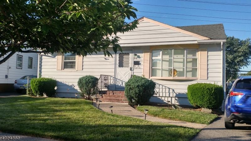 Einfamilienhaus für Verkauf beim 118 Plenge Drive 118 Plenge Drive Belleville, New Jersey 07109 Vereinigte Staaten