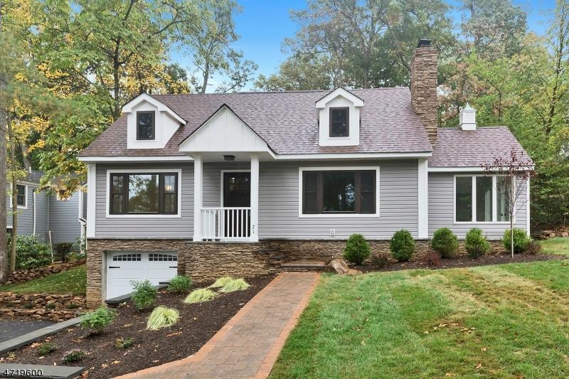 独户住宅 为 销售 在 21 Acorn Drive 新普罗维登斯岛, 新泽西州 07901 美国